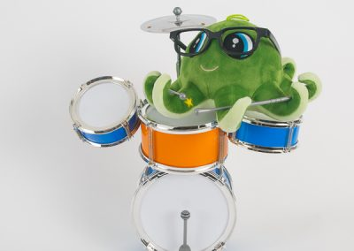 600-green-octopus-with-drums-product-photo
