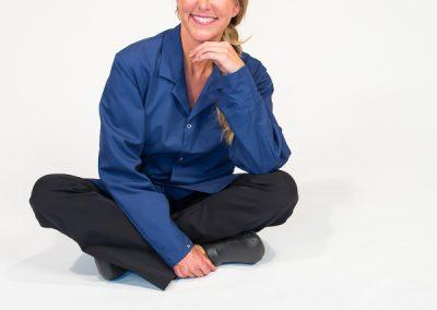 600-apparel-long-sleeve-lab-coat-product-photo-shoot-model