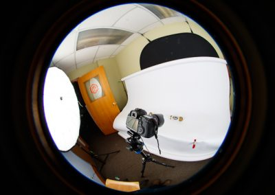 600-photo-studio-fisheye-look-at-white-background